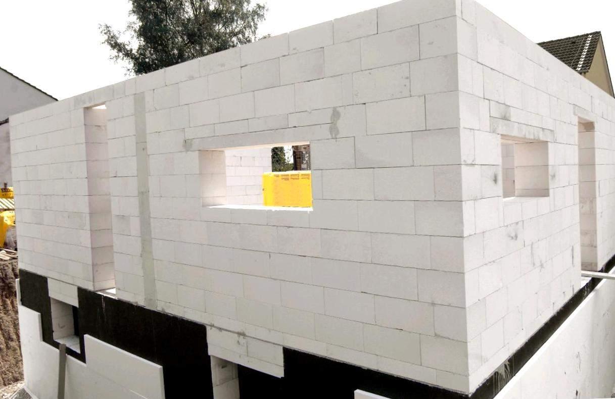 Кто строил дом своими руками из газобетона