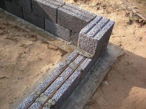 Армирование керамзитобетонных блоков