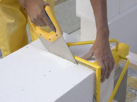 Чем резать пенобетонные блоки?