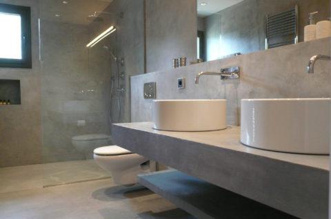 Декоративная штукатурка по бетону в ванной комнате