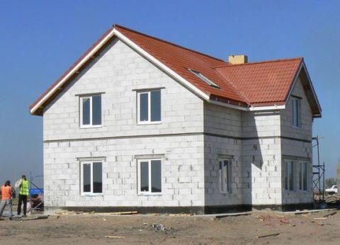 Дом, возведенный с использованием блоков из ячеистого бетона