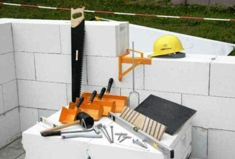 Инструменты для устройства газобетонных конструкций - фото