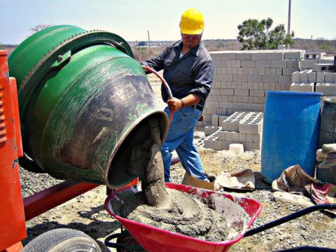 Использование бетономешалки при сооружении дома