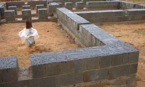 Керамзитобетонные блоки для бани при устройстве фундамента