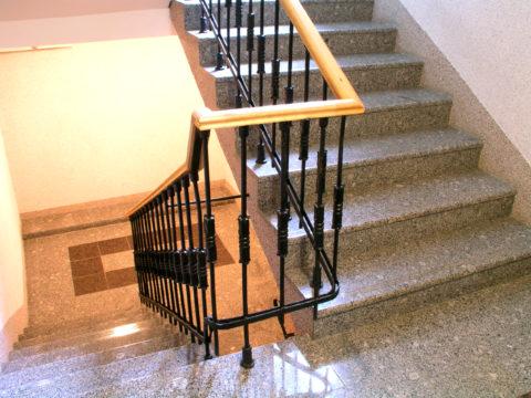 Лестница с облицовкой