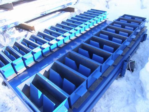 На фото — формы для производства газобетонных блоков