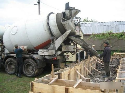 Разгрузка на строительной площадке