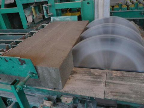 Резка ячеистого бетона на этапе изготовления (пеноблоки)