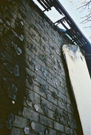 Стена из газобетонных блоков после пожара - фото