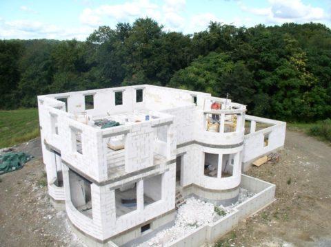Строительство индивидуального дома из газобетонных материалов