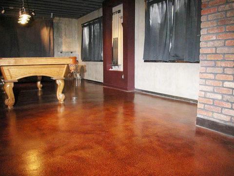 Теплый бетонный пол в гостиной