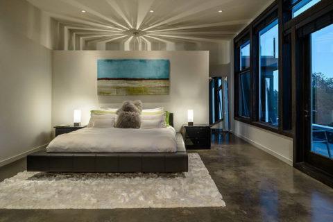 Теплый бетонный пол в спальне