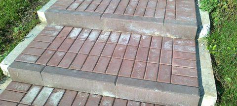 Белые пятна – высолы, образующиеся на бетонных изделиях