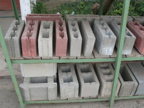 Блоки керамзитобетонные пустотелые