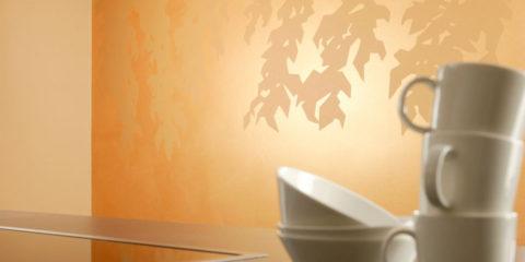 Декоративная обработка с помощью золотистой лазури
