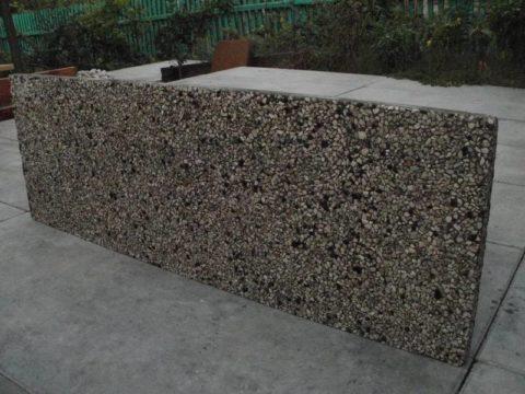 Плита из мытого бетона