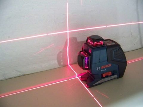 Разметка нулевого уровня может быть сделана при помощи лазерного прибора