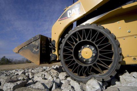 Разносторонние свойства полиуретана продолжают расширять горизонты его применения - например, так стало возможным изобретение безвоздушных шин, или как их еще называют: «колес будущего»