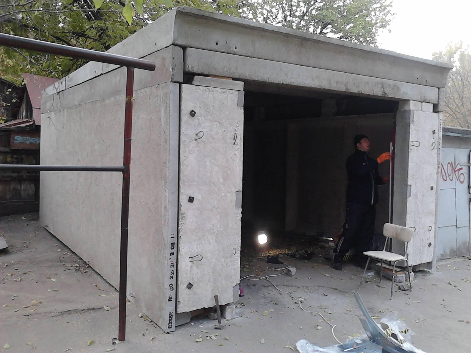 Металлический разборный гараж на участке, сборка своими руками 85