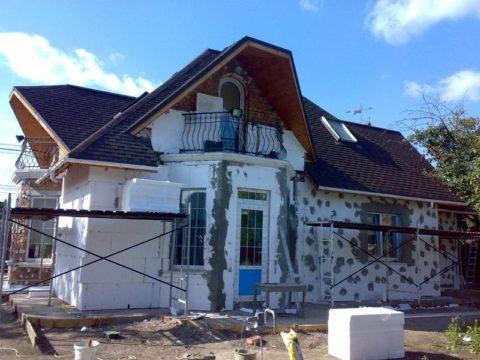 Утепление фасада газобетонного дома при помощи пенопластовых плит