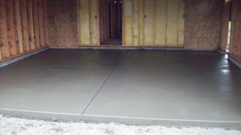 Выровненная бетонная стяжка
