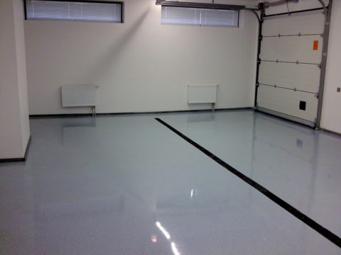 Заливка бетонного пола в гараже: наливные полы дают идеально ровную поверхность