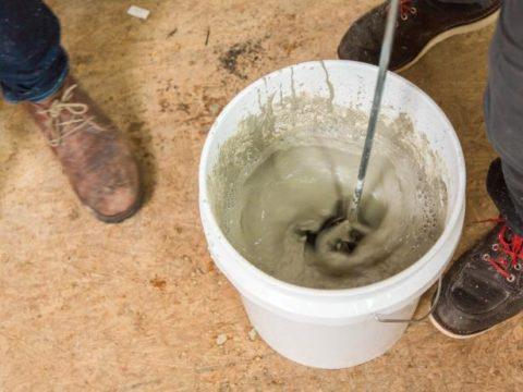 Замешивание бетона насадкой на перфоратор «миксер»