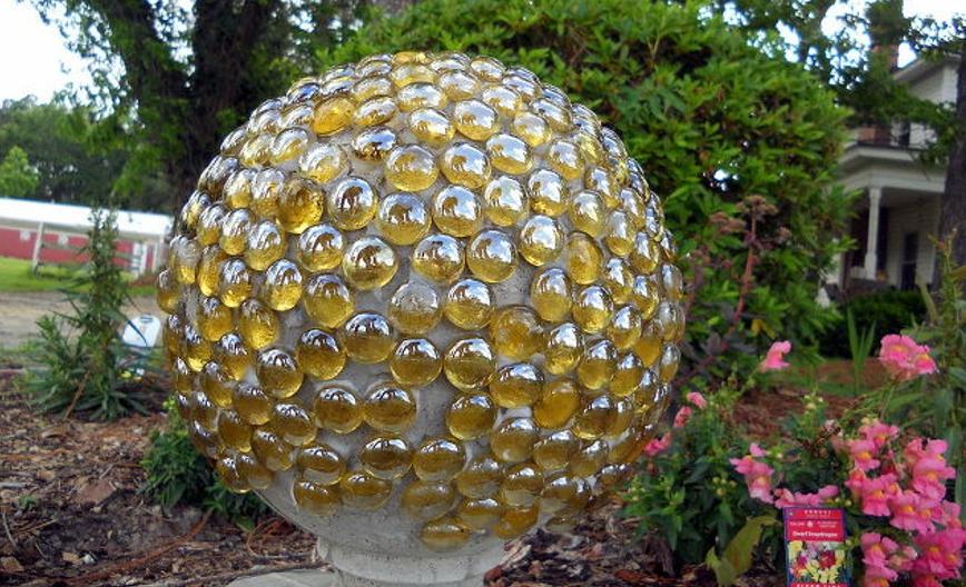 Красивый шар