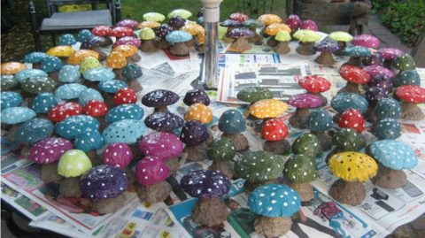 Бетонные грибы