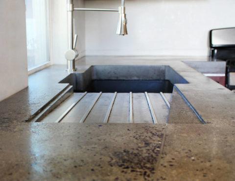 Дизайн кухонной бетонной раковины