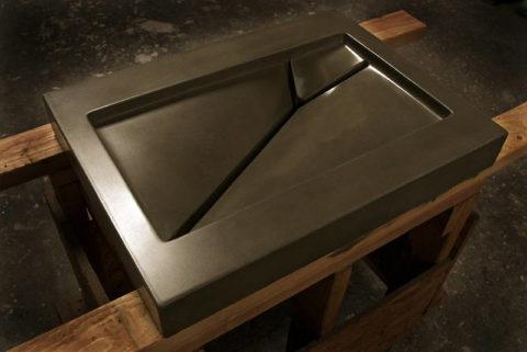 Дизайн отверстия для слива в бетонной раковине