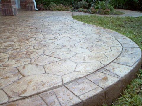 Имитация натурального камня на бетонной окрашенной поверхности