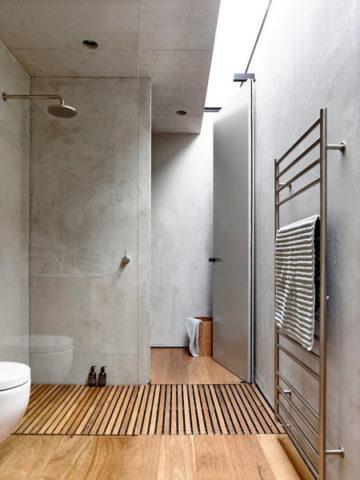 Известково-мраморная штукатурка в ванной комнате