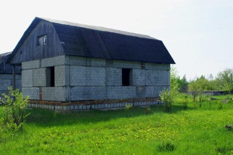 Каркасный дом с заполнением из керамзитоблоков