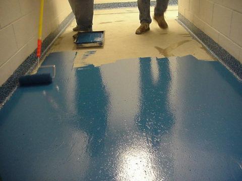 Окрашивание бетонного пола эпоксидной краской