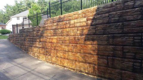 Подпорная стенка из окрашенного бетона