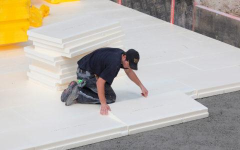 Правильное утепление бетонной стяжки сделает помещение более комфортным