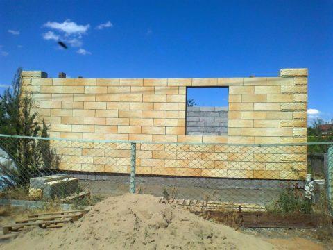 Стены из полистиролбетона с облицовкой