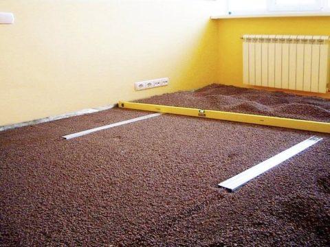 Утепление и выравнивание бетонного пола керамзитом