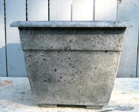 Бетонные горшки – это монолитные долговечные конструкции