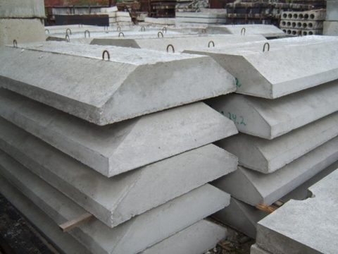 Бетонные плиты ФЛ для фундамента