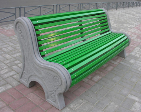 Бетонные скамейки парковые с отделкой древесиной