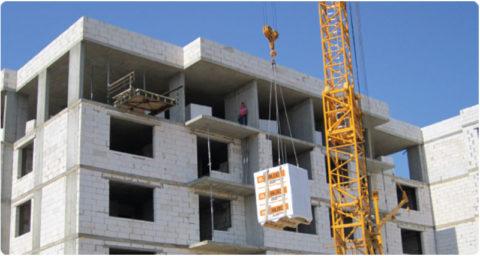 Долговечность позволяет использовать блок при строительстве многоквартирных домов