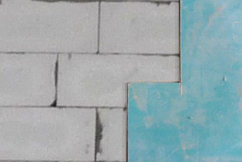 ГКЛ, наклеенный на тонкий слой клея