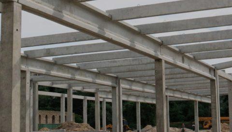 Каркас промышленного здания из железобетонных колонн
