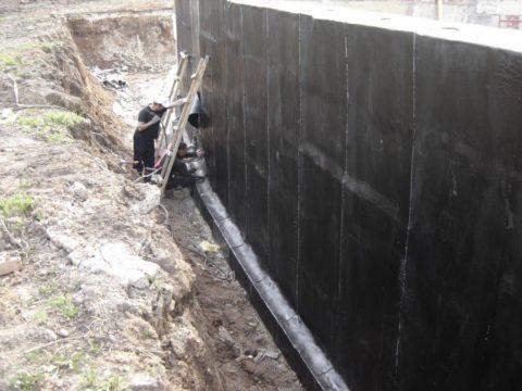 Оклеечная гидроизоляция сборного фундамента