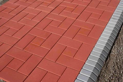 Равномерное окрашивание бетона для изготовления тротуарной плитки