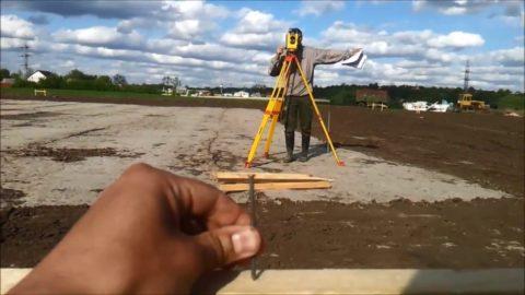 Разметка фундаментов с помощью теодолита