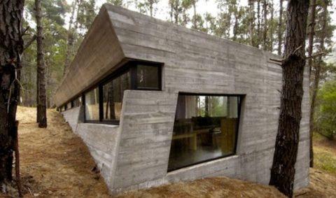 Загородный дом, построенный полностью из железобетонных панелей