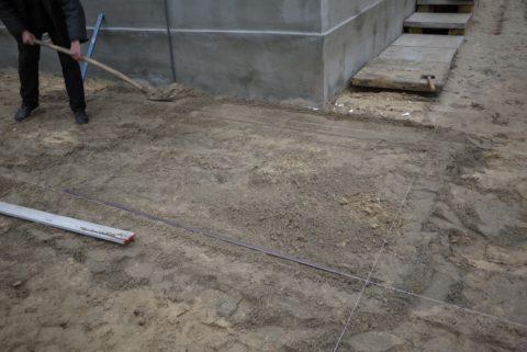 Засыпка подушки из песка и цемента